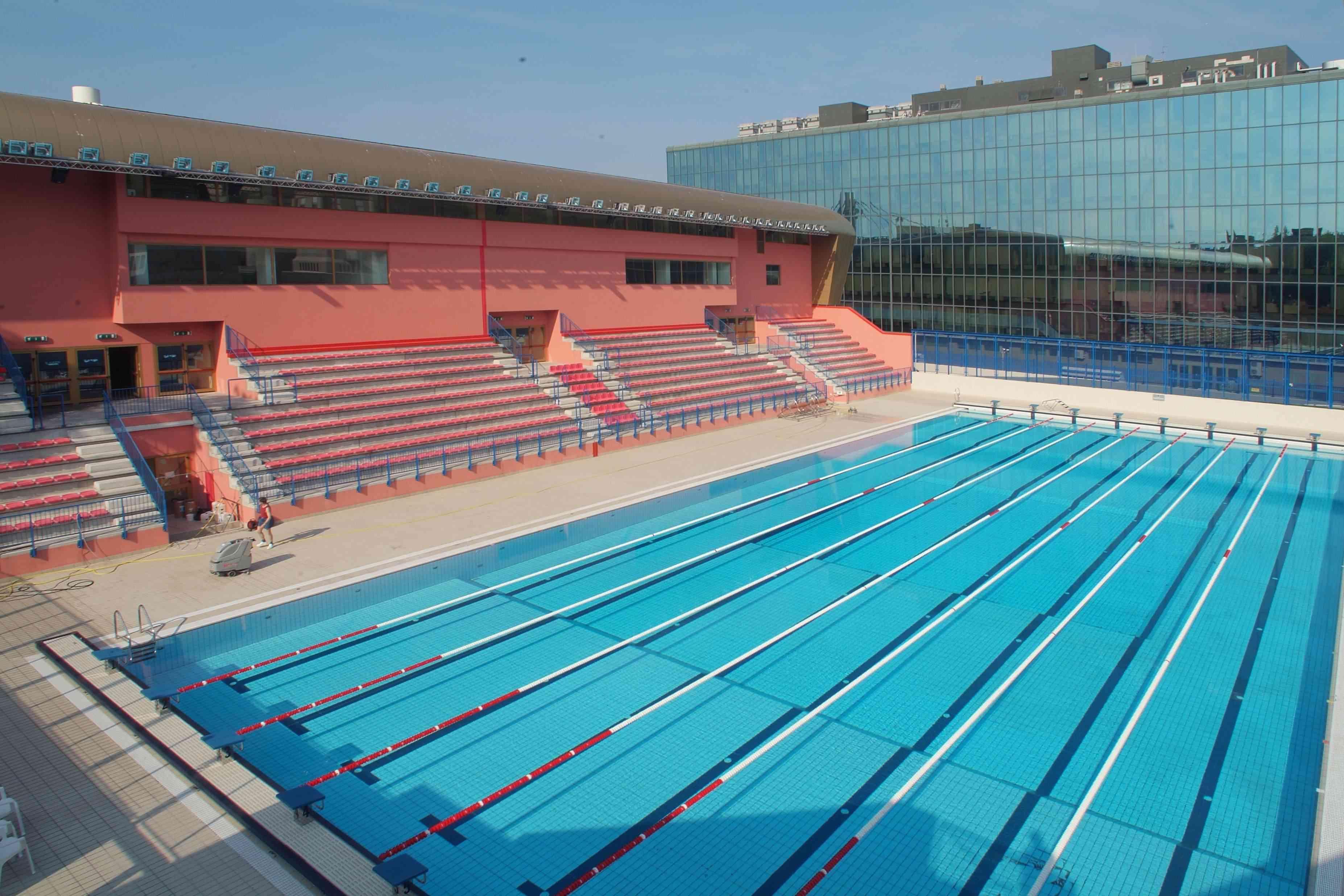 Prezzi e orari piscina scoperta piscina bianchi trieste - Piscina comunale livorno corsi acquagym ...